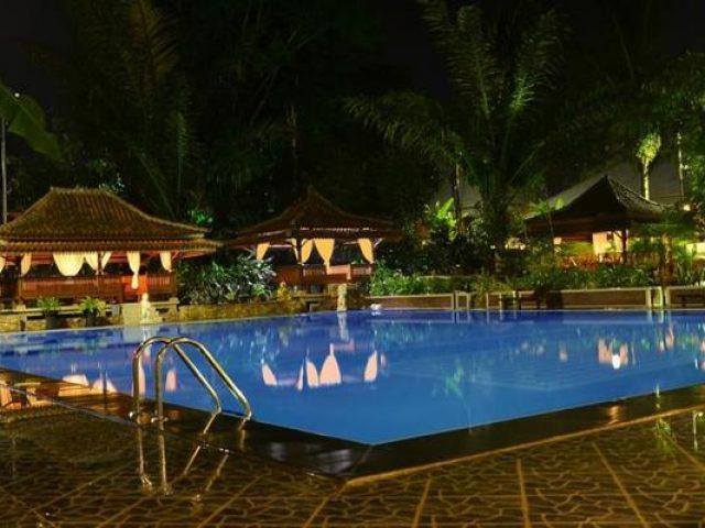Green Tropical Hotel